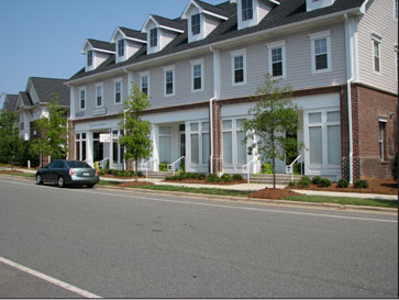 Woodmont Commons, Londonderry streetscape