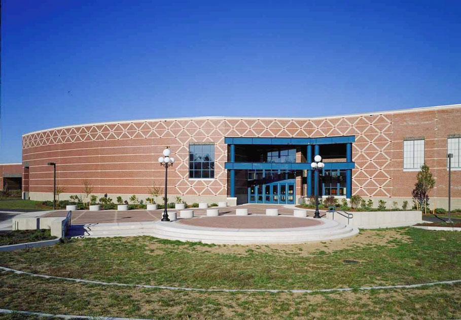 Brunswick High School exterior photo