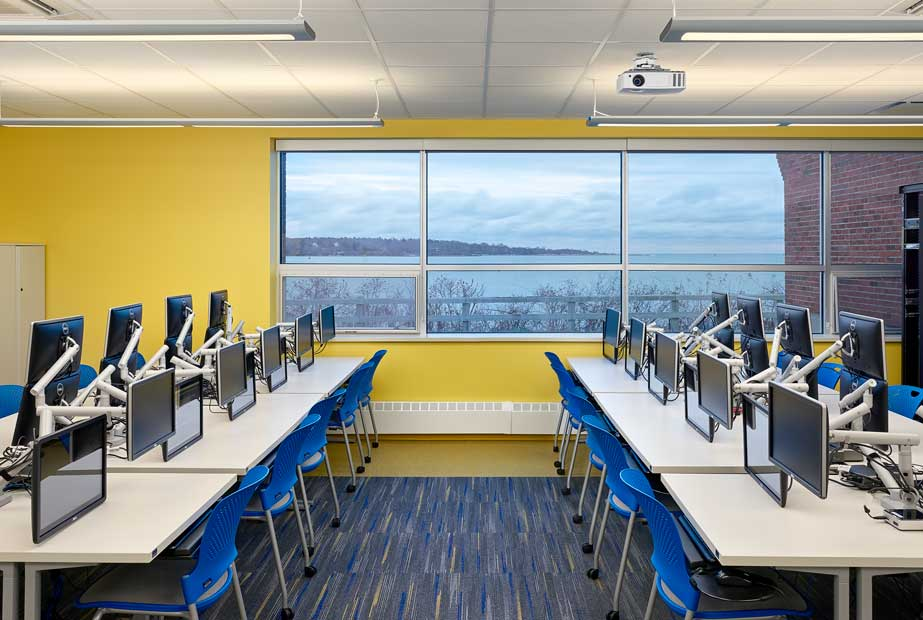 Southern Maine Community College computer room