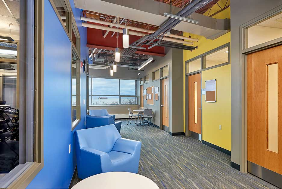 Southern Maine Community College computer lounge area